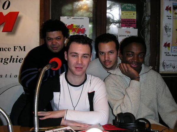 La Big Bang team 2006 avec Petit Manu, Didier Mesgard, Grand Manu et Dylan. Seul Petit Manu et Didier sont encore dans l'équipe. On n'arrive pas à se débarrasser de Petit Manu...