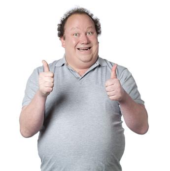 homme obèse pouce levés génial sourire
